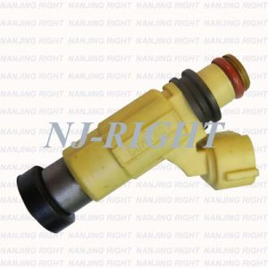 Denso Fuel Injector CDH240 for Mitsubishi Pajero Tr4 pictures & photos