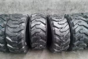 Good Quality Bias Bobcat Tire Skid Steer Tire Industrial Tire 10-16.5 12-16.5 14-17.5 15-19.5 Sks Pattern pictures & photos