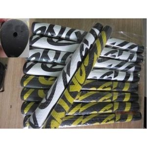 Right Putter Grip Yellow / White Black Pattern Ye Golf pictures & photos