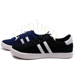 New Arriving Men′s Wholesale Casual Canvas Shoes pictures & photos