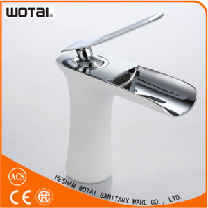 Deck Mounted White Color Single Lever Basin Mixer pictures & photos