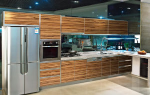 Kitchen Furniture From Glossy Wooden UV MDF (ZHUV Foshan) pictures & photos