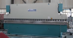 Pbh-300t/5000 Hydraulic Press Brake Bending Machine pictures & photos