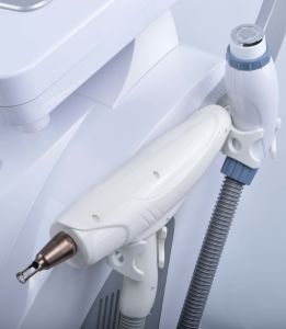 4 in 1 IPL Machine for Hair Removal Skin Rejuvenation Acne Scar Removal Laser pictures & photos