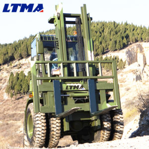 off Road Forklift 5t Rough Terrain Forklift with 4*4 Wheel Drive pictures & photos