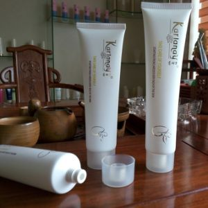 Body Lotion Packaging Squeeze Tube Packaging PE Tube pictures & photos