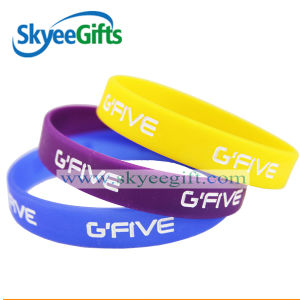 Promotional Colorful Charm Silicone Debossed Wristband pictures & photos