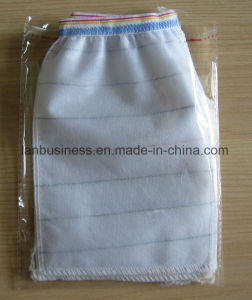 Soft and Comfortable Exfoliating Mitt Custom Sizes and Colors pictures & photos
