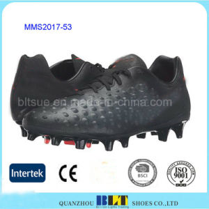 Wholesale Lightweight TPU Outsole Safety Football Shoes pictures & photos