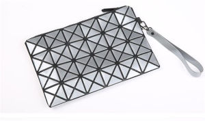 2016 New Cosmetic Bag Creative PU Triangle Dumpling Bag (B 1623) pictures & photos