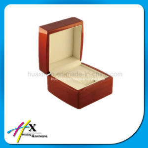 Luxury High-End Piano Lacquered Watch Wooden Gift Box pictures & photos