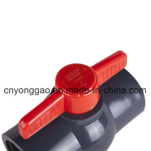 PVC NPT/BSPT/JIS/BS/ANSI/DIN Plastic Compact Ball Valve pictures & photos