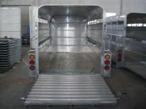 The Inside of Livestock Trailer (GW-LT12) pictures & photos