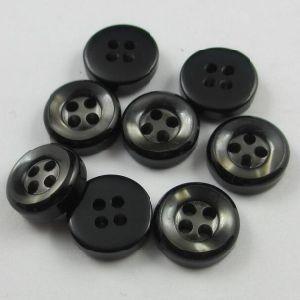 Wholesale Price Classic Black 4 Holes Shirt Button pictures & photos