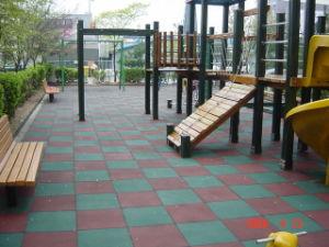 Sports Rubber Floor for Kindergarten pictures & photos