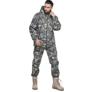 New Design Hot Sale Warm Windproof Uniform Army Camouflage Suit Jacket with Hood pictures & photos