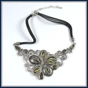 New Item Unique Flower Necklace pictures & photos