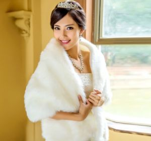 2014 New Urged Wrap Wedding Bride Formal Dress White Cape Winter Bride Thickening Fur Shawl Wedding Jacket Free Shipping pictures & photos