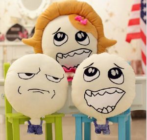 2015 Hot Sale Latest Design Cute Cushion Emoji Pillow pictures & photos