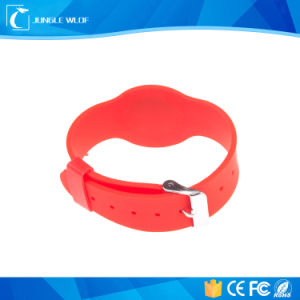Waterproof and Adjustable Silicone Watch Buckle RFID Bracelet pictures & photos