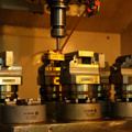 CNC 5 Axis Precision Adjustable Small Centering Vise pictures & photos