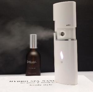 Rechargeable Hand Held Nano Mist Facial Steamer pictures & photos