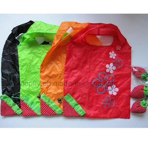 Eco Friendly Portable Folded Christmas Promotion Gift Bag pictures & photos