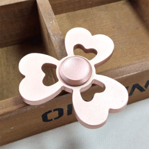 2017 New Style 3-Leaf Love Metal Hand Fidget Spinner Toys pictures & photos