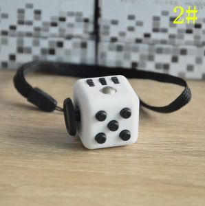 2017 Top Hot Factory Stocking Fidget Cube. pictures & photos