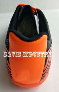 Classical Football Shoes for Men pictures & photos