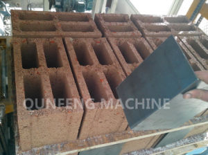 Full Automatic Concrete Brick Making Machine pictures & photos