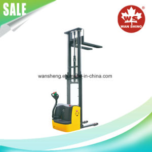 1.0 Ton Electric Stacker Lifting Height 1600-1950mm pictures & photos