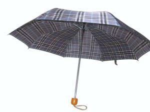 "21"" Manual Open Wood Handle 3 Fold Umbrella (3FU027) pictures & photos"