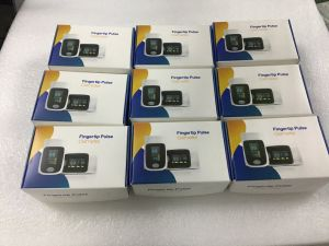 Medical Diagnostic Equipment Pulse Monitor Fingertip Pulse Oximeter pictures & photos