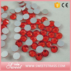 Non Hot Fix Flatback Strass Rhinestone Without Glue for Nails Art pictures & photos