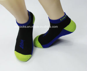 2016 New Design Men Invisible Sport Socks Low Cut Anklet Socks pictures & photos