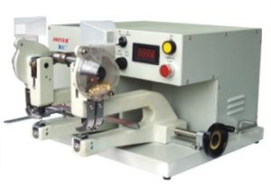 Twin-Heads Automatic Eyeleting Machine (ZXAC II-2) pictures & photos