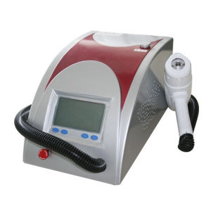 Hot Sale Laser Tattoo Removal Machine for Studio Supply Hb1004-117 pictures & photos