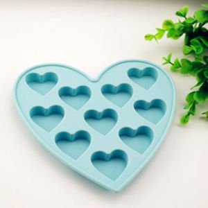 Eco-Friendly Colorful Heart Customize Silicon Cake Moulds pictures & photos