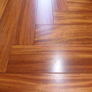 Hight Quality Foshan Factory Industrial Iroko Hardwood Flooring pictures & photos