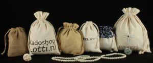 Wholesale Natural Drawstring Burlap Gift Bag pictures & photos