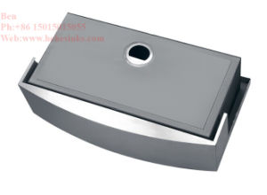 Cupc Certified Stainless Steel Apron Front Single Bowl Handmade Kitchen Sink pictures & photos