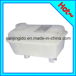 Auto Parts Car Expansion Tank for Volvo 740 1985-1992 9122997 pictures & photos