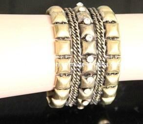 Metal Bracelet with Diamond (XBL13000) pictures & photos