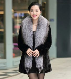 Women′s 100% Real Mink Fur Coat with Whole Silver Fox Fur Collar pictures & photos