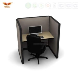 Fashion 6 Person Seats Straight Office Partition Workstation with Metal Leg pictures & photos