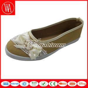 Flat Women Comfort Casual Shoes with Lace Bowknot pictures & photos