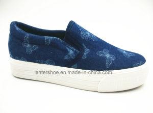 Red Color Low Cut Women′s Canvas Footwear for Autumn (ET-LH160164W) pictures & photos