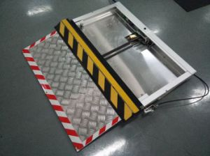 Electric Wheelchair Ramp for BRT Bus pictures & photos