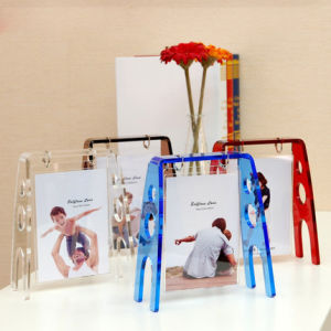Creative Acrylic 5 Inch Transparent Swing Picture Frame pictures & photos